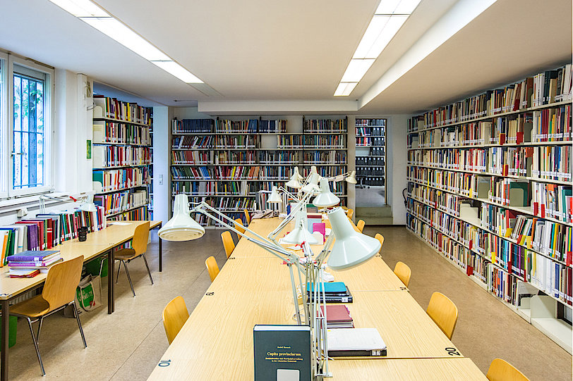 Institut für Archäologische Wissenschaften - Abt. Provinzialrömische Archäologie, Bibliothek